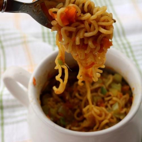 microwave-chow-mein-in-a-mug-6-1