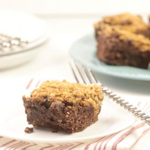 milk-chocolate-reeses-dump-cake