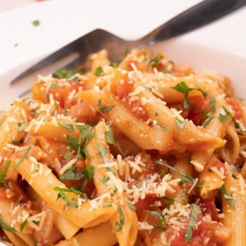 Easy Penne Pomodoro Pasta – Best Homemade Penne Pomodoro Recipe – Dinner – Lunch – Quick – Simple