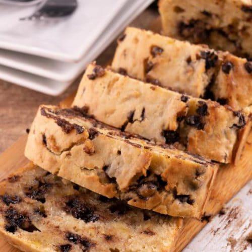 Easy Chocolate Chip Banana Bread – Best Homemade Banana Bread Recipe – {Easy} Recipes – Snacks – Desserts – Breakfast – Quick – Simple